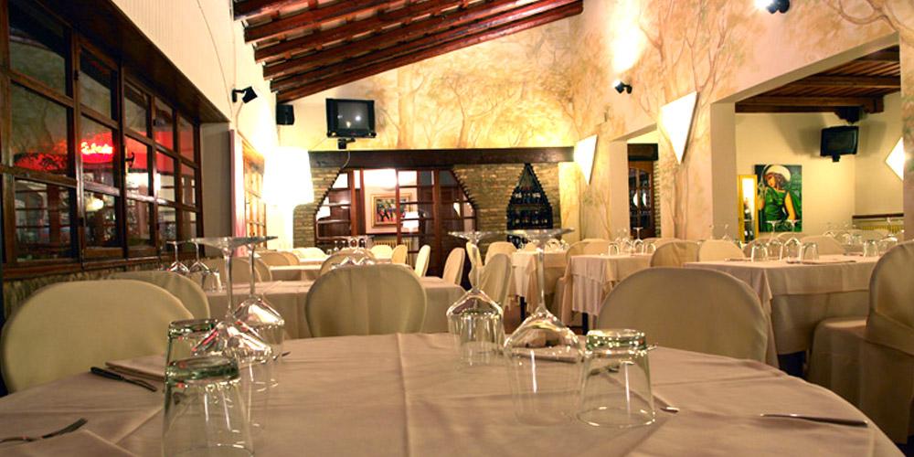 Anche in Romagna la formula del ristorante rustico-elegante vince...