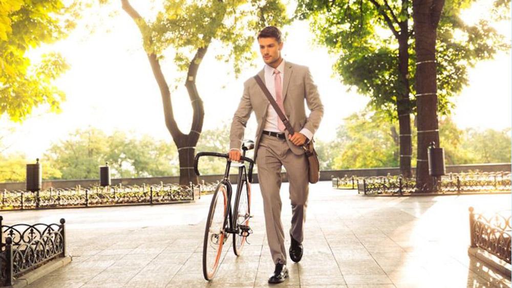 uomo_elegante_bici---Copia