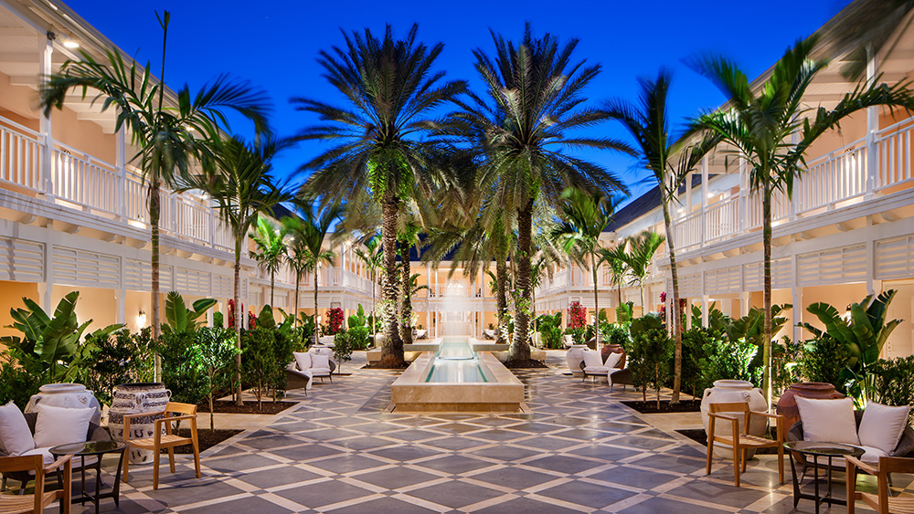 hartford-wing-courtyard-c-ocean-club-bahamas