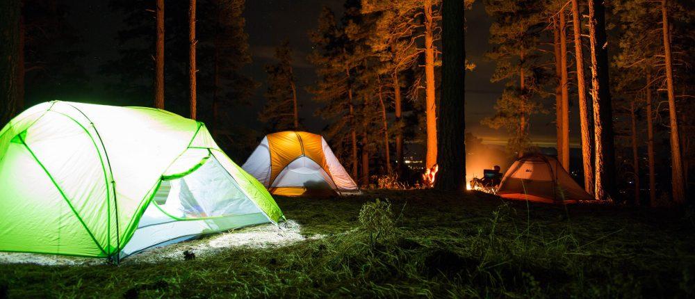 10 oggetti indispesabili per le vacanze in campeggio