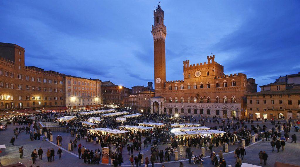 Mercato nel Campo a Siena