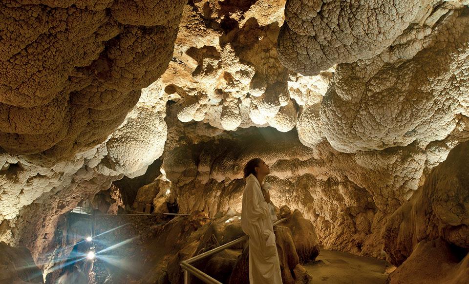 Uno scorcio all'interno della Spa di Grotta Giusti