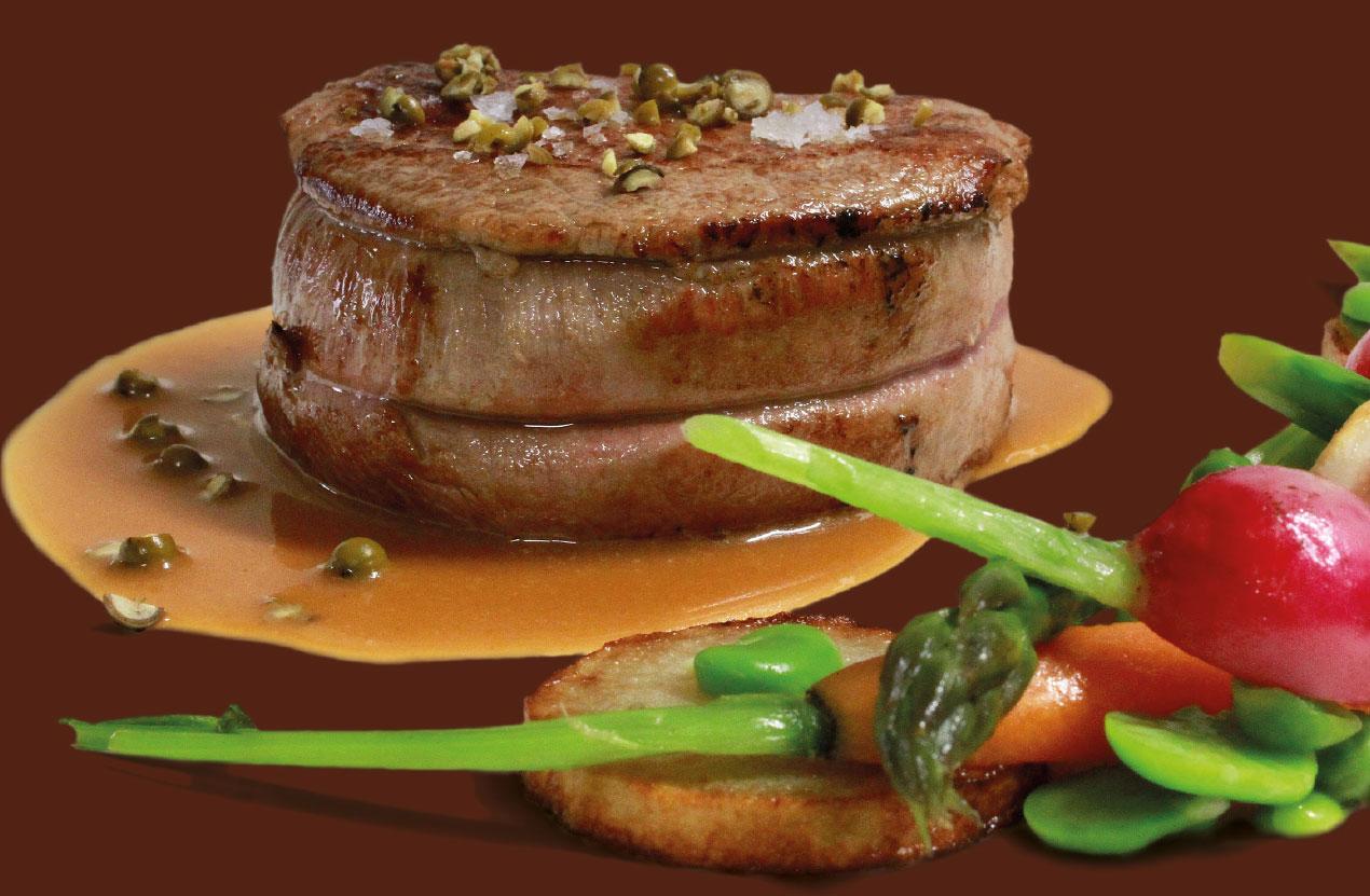 Filetto di manzo al pepe verde: una ricetta dello chef Tiziano Rossetti per il suo ristorante Osteria L'Angolo Divino di Urbino