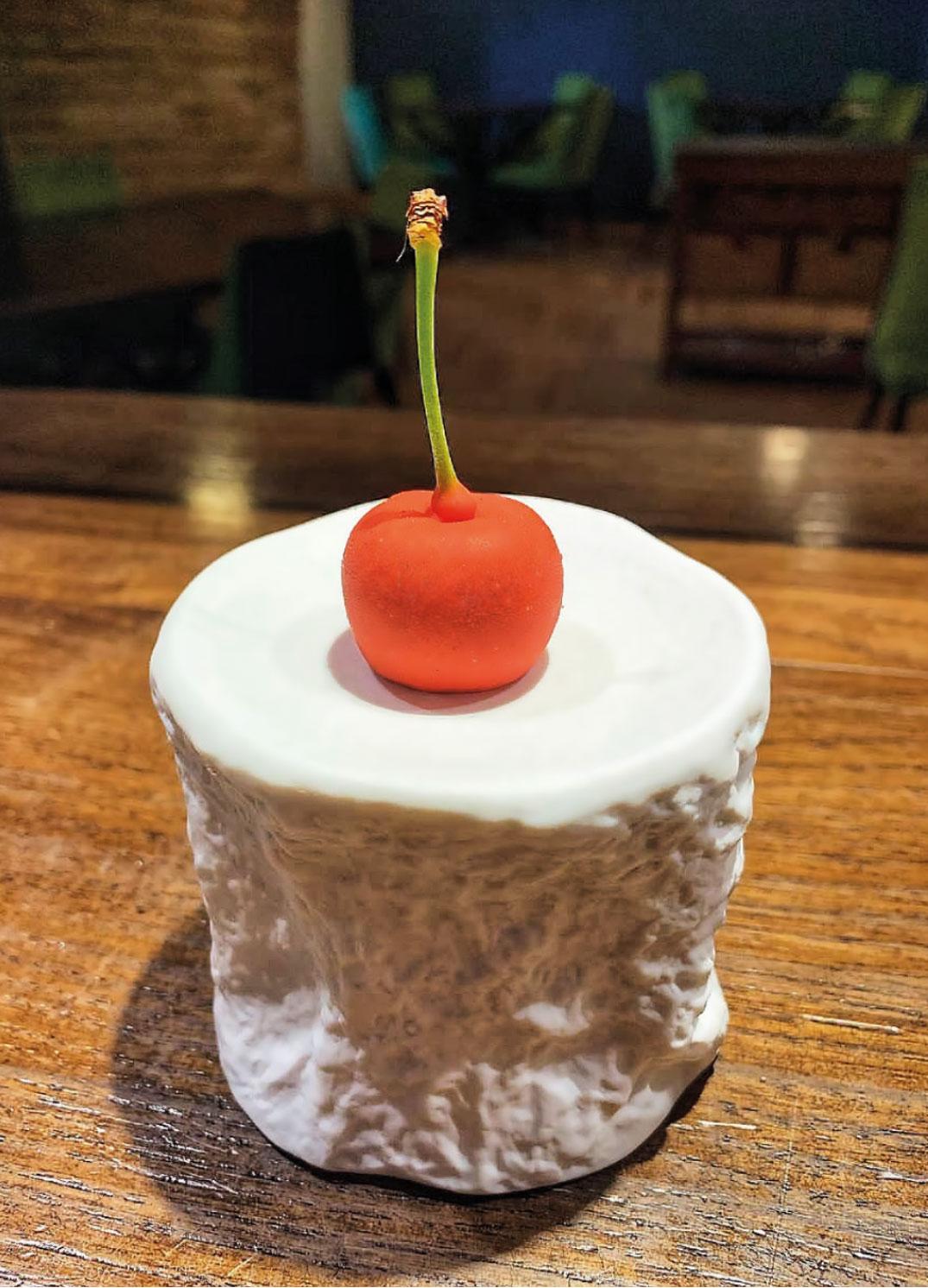 Finta ciliegia di fegato di wagyu: una ricetta dello chef Valerio Braschi del ristorante 1978 di Roma