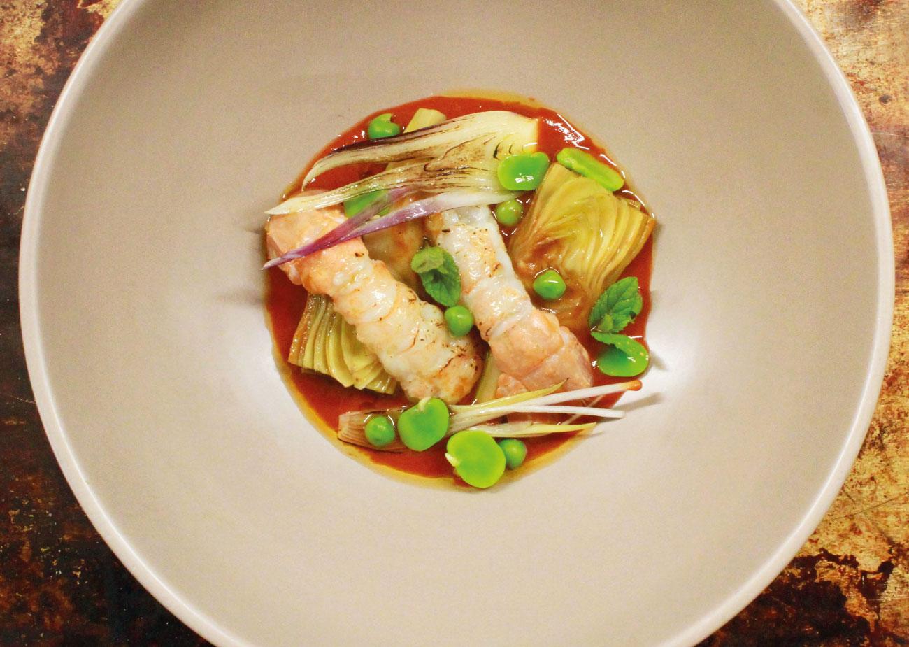Insalata di scampi, carciofi, fave e piselli dello chef Tiziano Rossetti