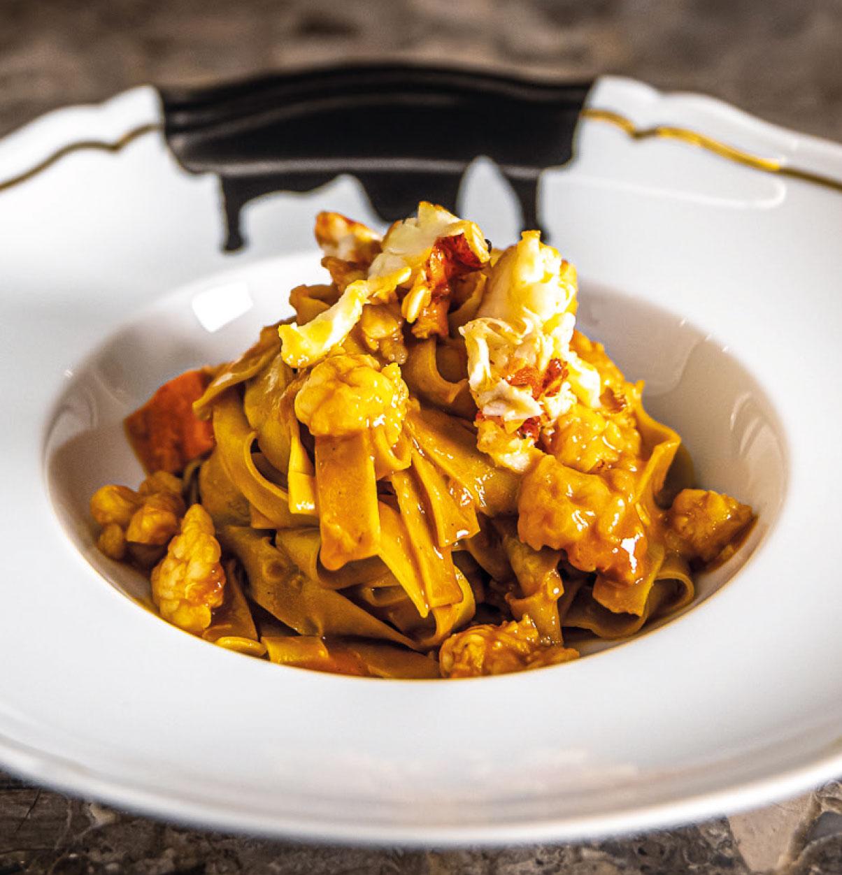 Tagliatelle all'Astice dello chef Matias Perdomo per il ristorante EXIT Pastificio Urbano di Milano