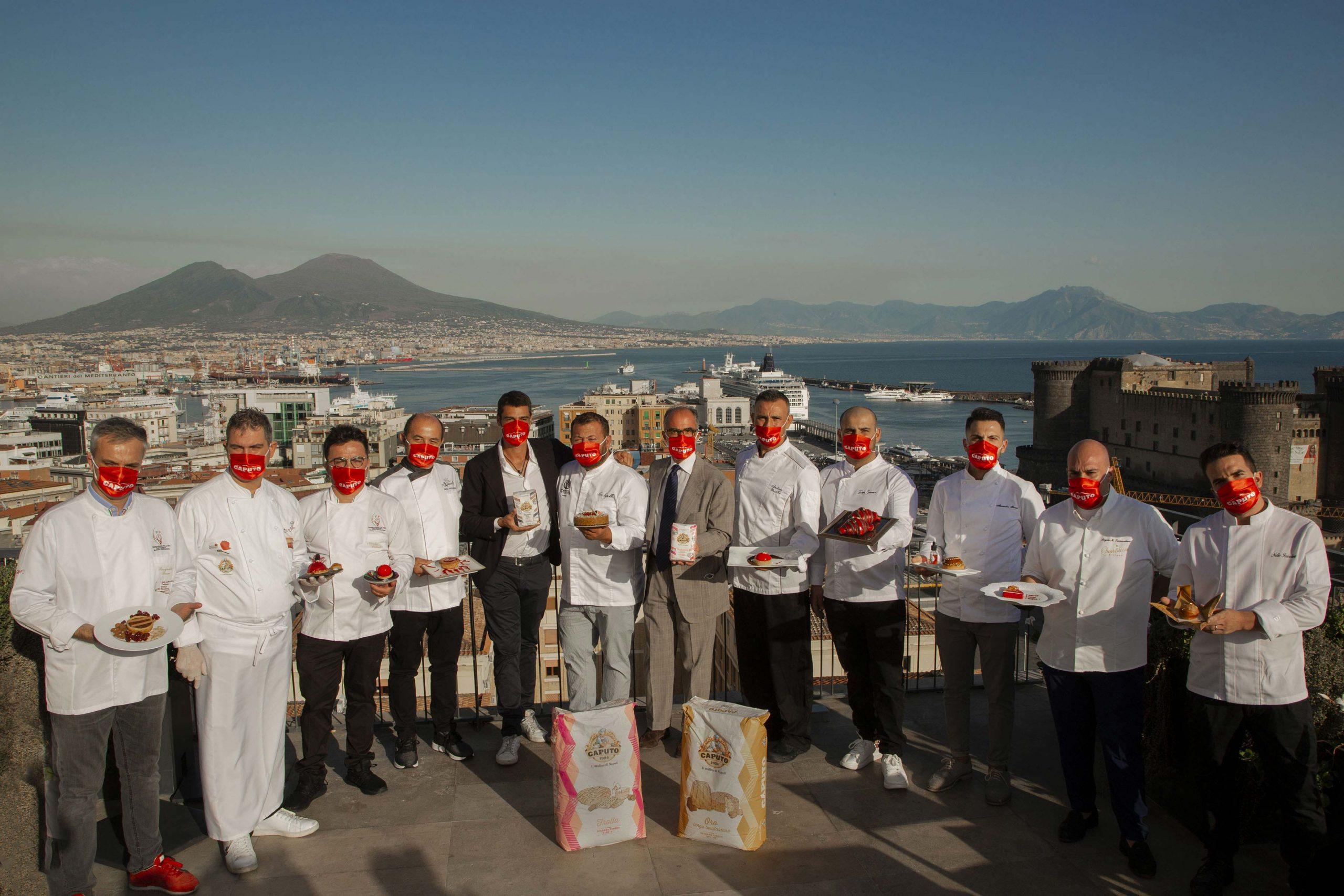 Tutti-i-concorrenti-del-contest-San-Gennà-2020-con-Antimo-e-Mauro-Caputo-presso-la-terrazza-del-Renaissance-Mediterraneo
